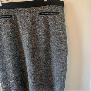 2/$18 LIKE NEW / Timeless / Lined / Pencil Skirt